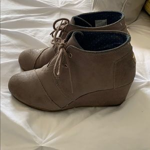 Toms Booties Size 8
